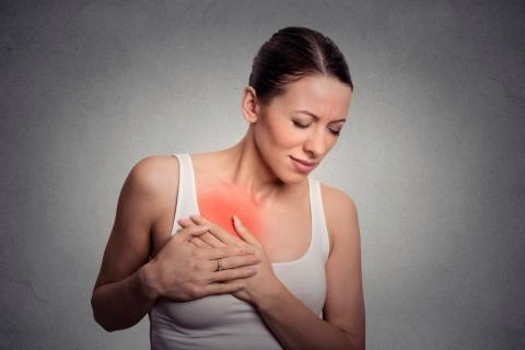 болит грудь и температура