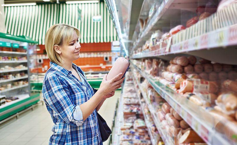 Если вам снился сон, в котором вы покупаете колбасу в магазине, то на вашем жизненном пути будет появляться большое количество соблазнов, и не перед каждым вы сможете устоять.