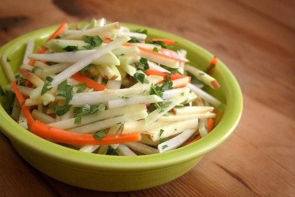 Салат из капусты для кормящих мам